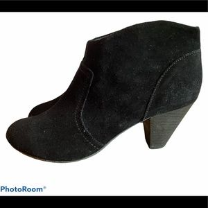 Aldo Black Suede Ankle Booties Size 11